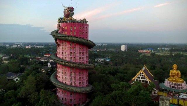 Храм со скандальным прошлым - Башня Дракона в Таиланде